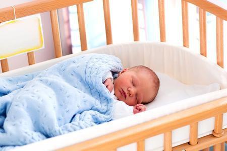 Trẻ sơ sinh có thể ngủ trong môi trường ồn ào mà không hề bị ảnh hưởng
