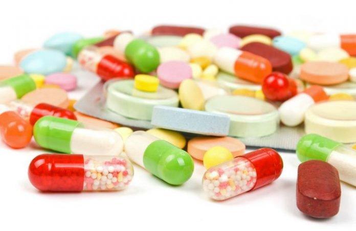 Sau sinh mổ sản phụ được uống thuốc giảm đau
