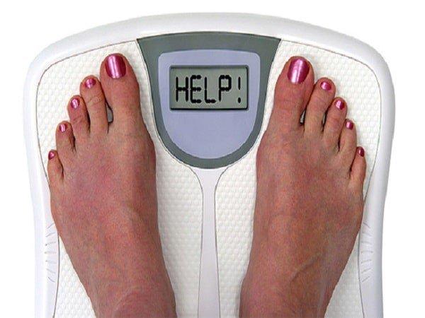 giảm cân đột ngột dễ gây táo bón ở người lớn tuổi