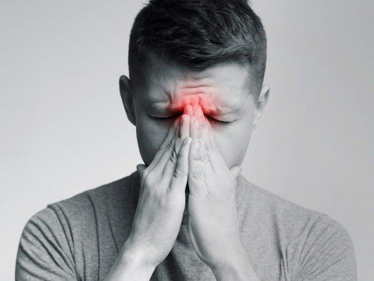 Tại sao viêm xoang gây nhức đầu và khó chữa khỏi hẳn?
