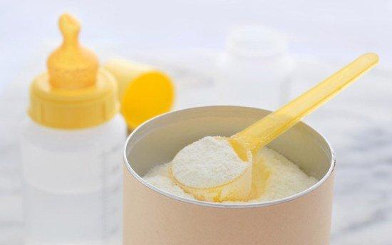 Trẻ bú sữa công thức có nguy cơ bị hẹp môn vị cao hơn so với trẻ bú mẹ