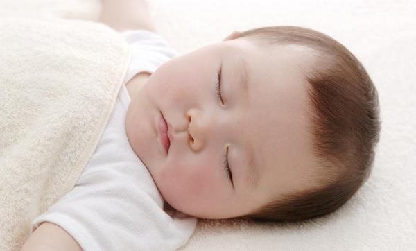 Mẹ nên tạo cho bé những giấc ngủ sâu sẽ tốt cho sự phát triển của trẻ