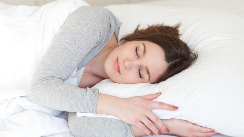 Bạn nên ngủ đúng và đủ giúp phòng tránh trầm cảm sau sinh
