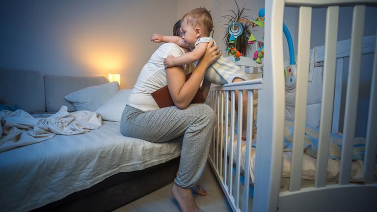 Trẻ quấy khóc ban đêm