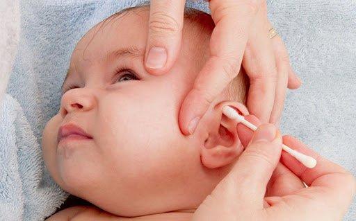 Trẻ nhiễm trùng tai