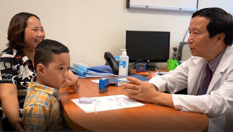 Vinmec công bố nghiên cứu về ghép tế bào gốc kết hợp giáo dục can thiệp điều trị trên Tạp chí khoa học danh tiếng thế giới