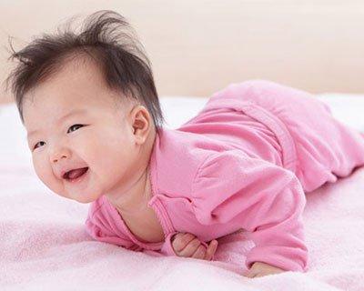 Trẻ 19 tuần tuổi phát triển như thế nào