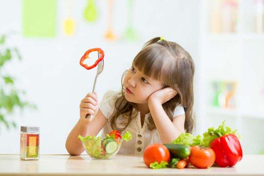 Trẻ ăn uống