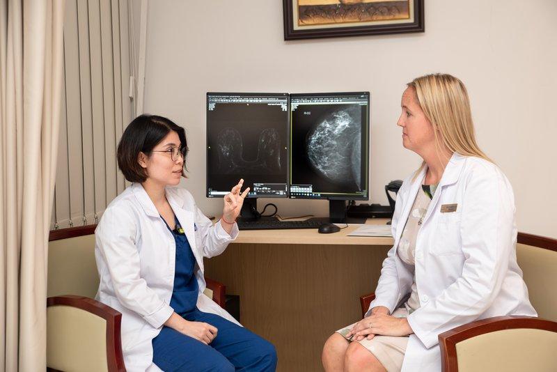 Chuyên gia PENN chia sẻ kinh nghiệm của mình với các bác sĩ tại Vinmec Times City