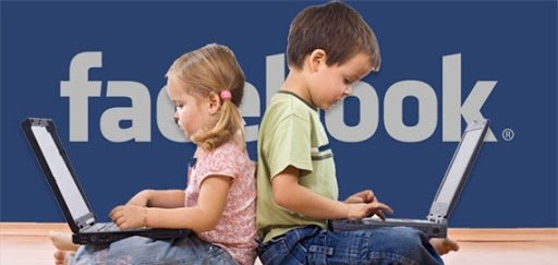 trẻ dùng mạng xã hội