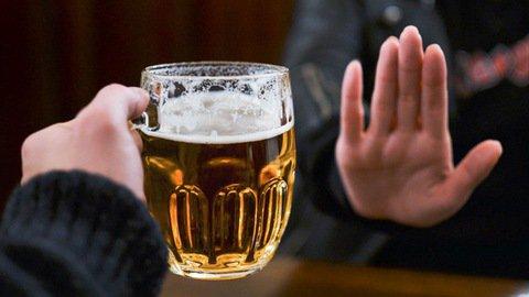 Hạn chế uống rượu bia sẽ giúp giảm lượng calo trong cơ thể