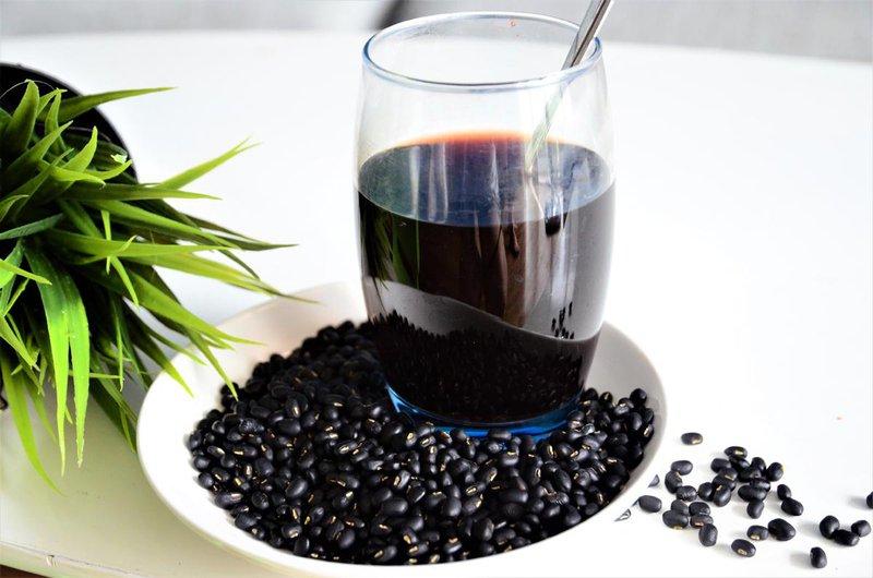 Uống nhiều nước đỗ đen có tốt không? | Vinmec
