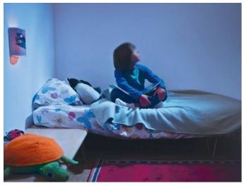Tại sao trẻ vào phòng ngủ cha mẹ lúc đêm muộn mà không ngủ suốt đêm?