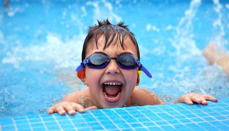 Cảnh giác bơi lội gây ngứa ở trẻ | Vinmec