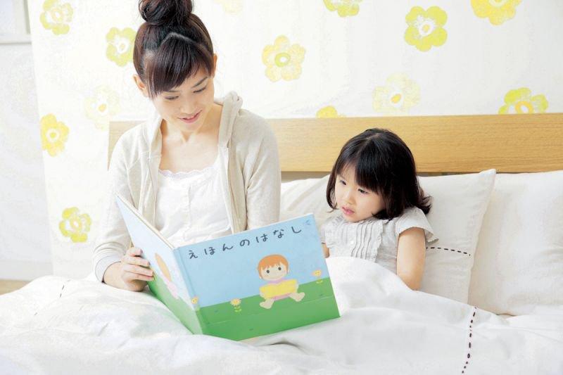 Cha mẹ hãy để con đọc sách dựa trên sự tự nguyện và không ép buộc