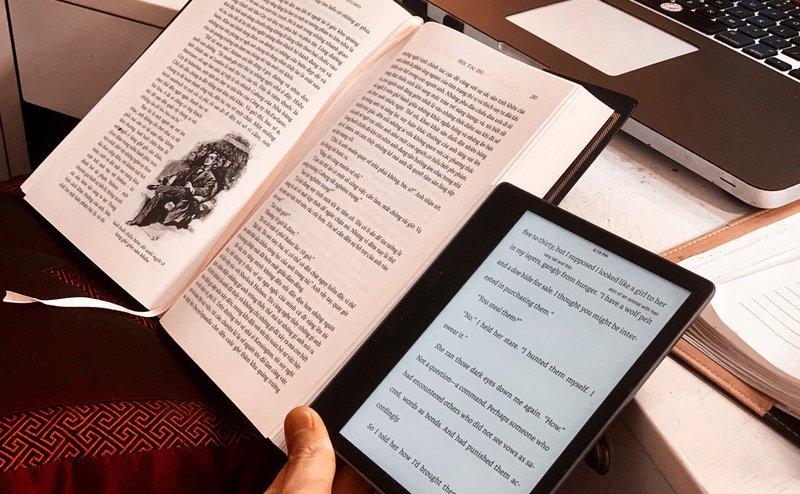 Sách điện tử và sách in
