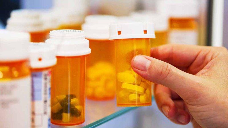 Adderall là một loại thuốc kê đơn có chứa hai thành phần amphetamine và dextroamphetamine