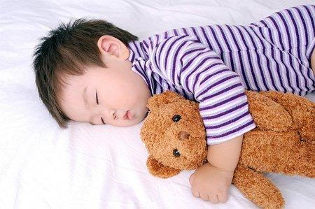 Cách giúp trẻ độ tuổi đi học thiết lập thói quen ngủ lành mạnh