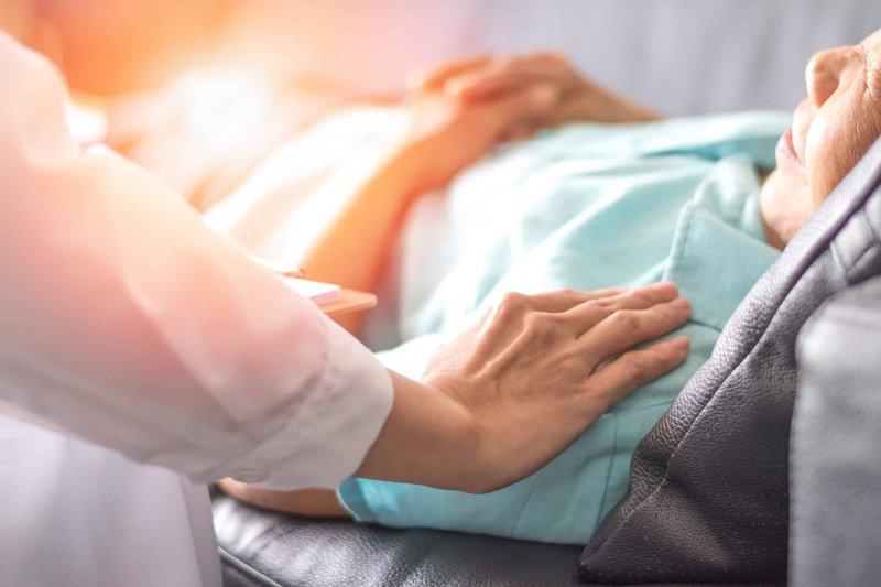 Chế độ chăm sóc giảm nhẹ cho người bị K phổi giai đoạn cuối?