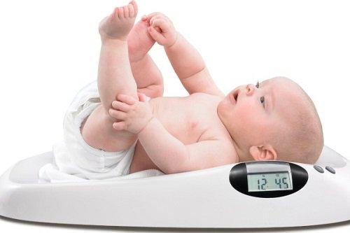 Bé 3 tháng tuổi không tăng cân là bị làm sao?