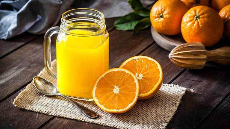 Có nên uống nước cam hàng ngày không? | Vinmec