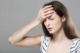 Mất ngủ kéo dài, đau đầu, nhòe mắt có phải dấu hiệu đột quỵ không?
