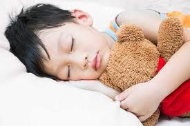 Trẻ 10 tuổi bị khó ngủ có nên dùng thuốc gì điều trị?