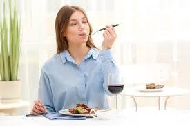 Bổ sung thực phẩm chức năng cho người bị viêm tuyến giáp mạn tính