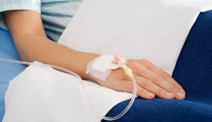 Truyền sữa dinh dưỡng cho bệnh nhân viêm phổi nặng