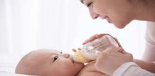 Đổi sữa công thức cho trẻ