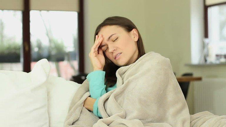 Có cơn ớn lạnh trong vòng 10 phút mỗi đêm là dấu hiệu của bệnh gì?