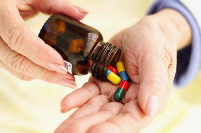 Sử dụng thuốc cho người cao tuổi