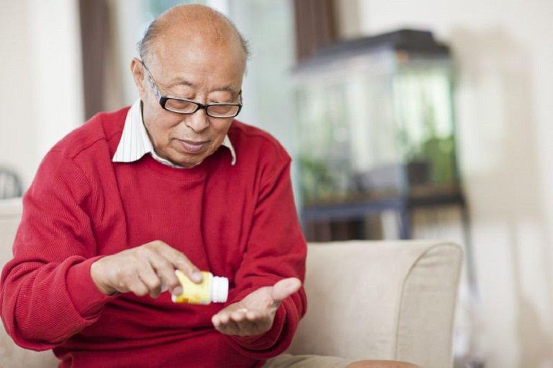 Bị tai biến một lần có dùng được vitamin tổng hợp không