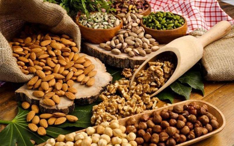 Bạn nên ăn ngũ cốc nguyên hạt thay vì bánh mì từ bột mì tinh chế