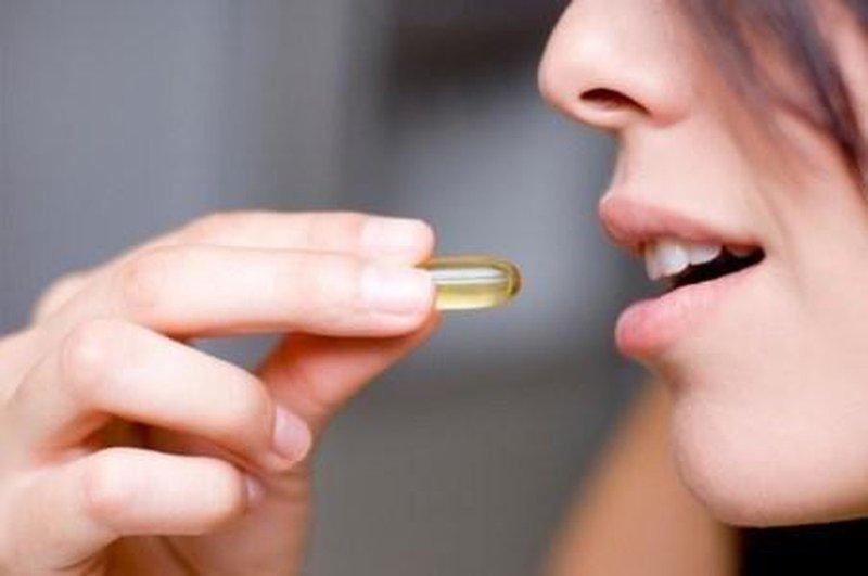 uống vitamin khi đang cho con bú
