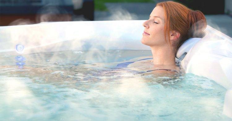 Tắm nước nóng