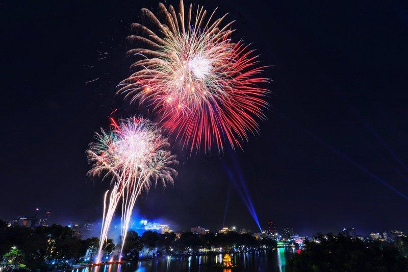 Hà Nội dừng 29 điểm bắn pháo hoa giao thừa
