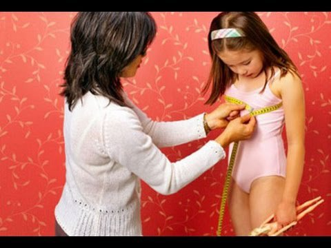 Bé gái hơn 8 tuổi đã nhú ngực và phát triển xương có điều trị được không?