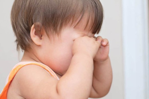 Trẻ bị tắc lệ đạo