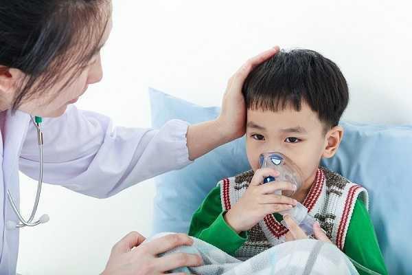 Trẻ bị suyễn bội nhiễm