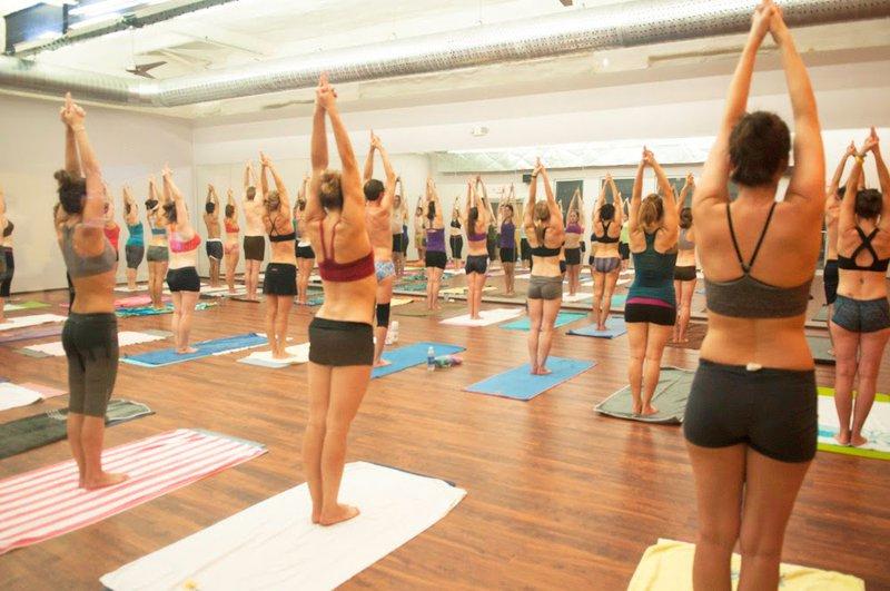 Yoga nóng