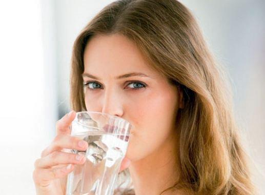 Nhịn uống nước để giảm cân