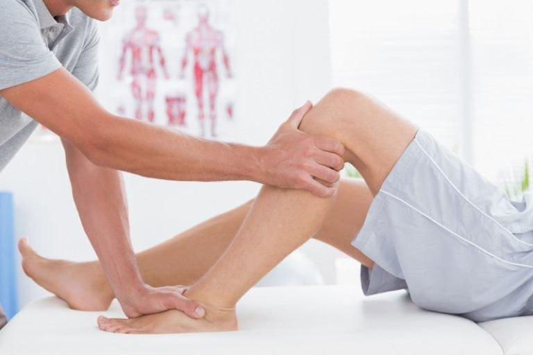 Liệt chân do viêm tủy cắt ngang
