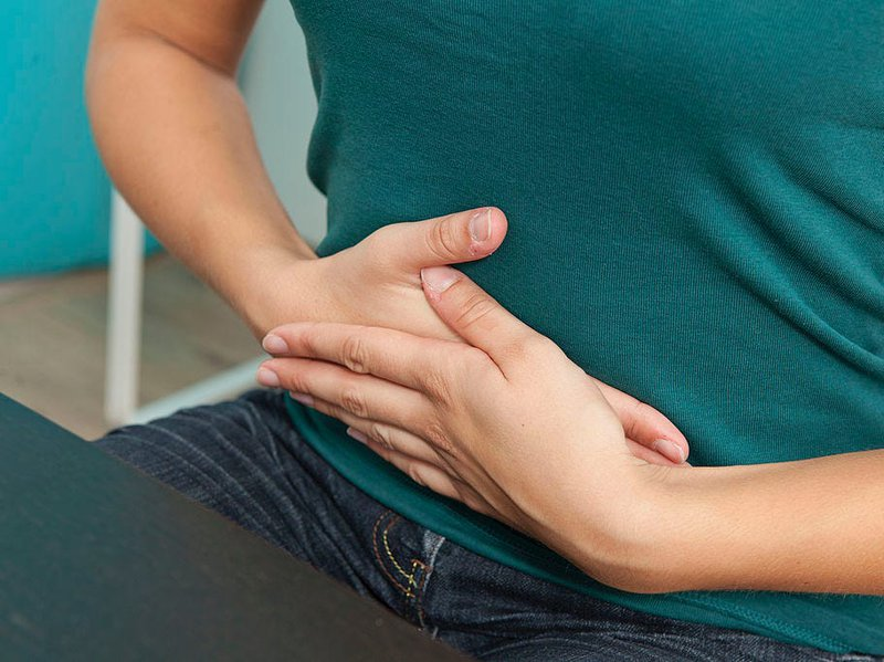 Thường xuyên đau bụng, đi ngoài phân lỏng kèm xì hơi là dấu hiệu bệnh gì?