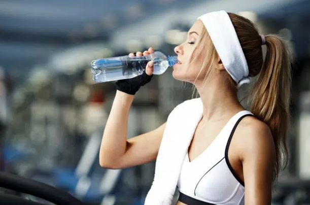 Giữ đủ nước khi tập luyện
