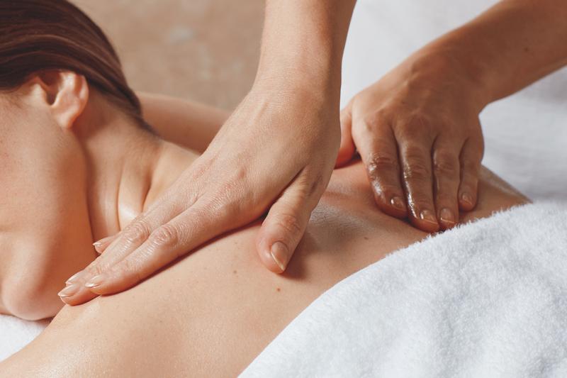 Massage lưng cho bệnh nhân hóa trị