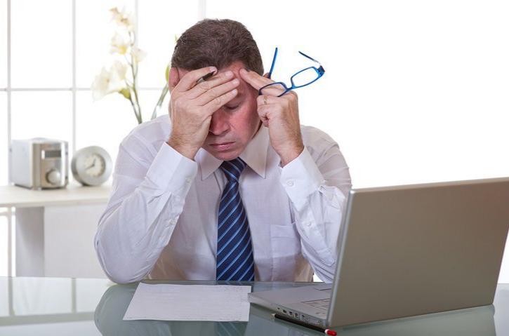đau đầu căng thẳng kéo dài