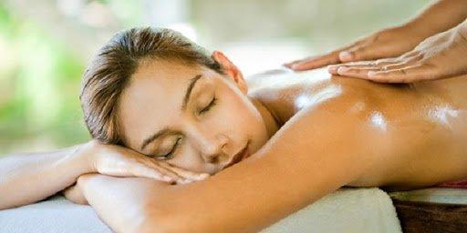 cách massage lưng để giảm mệt mỏi