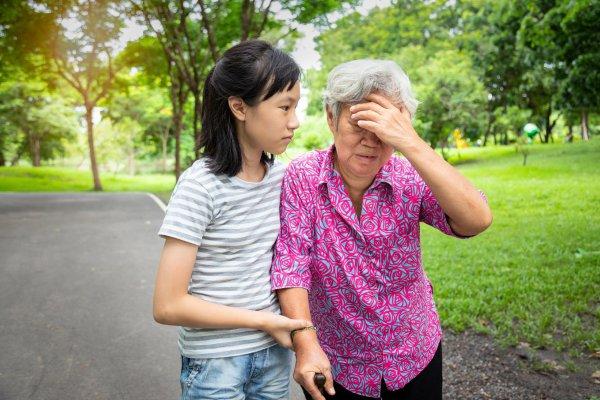 Hạ huyết áp tư thế ở người già