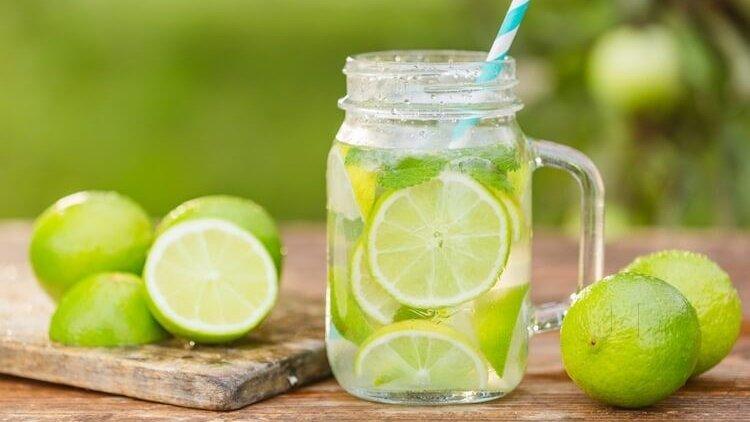 Bạn có thể sử dụng nước chanh để điều trị trào ngược axit không? | Vinmec